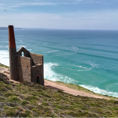 Wheal Coates engine house overlooking the sea